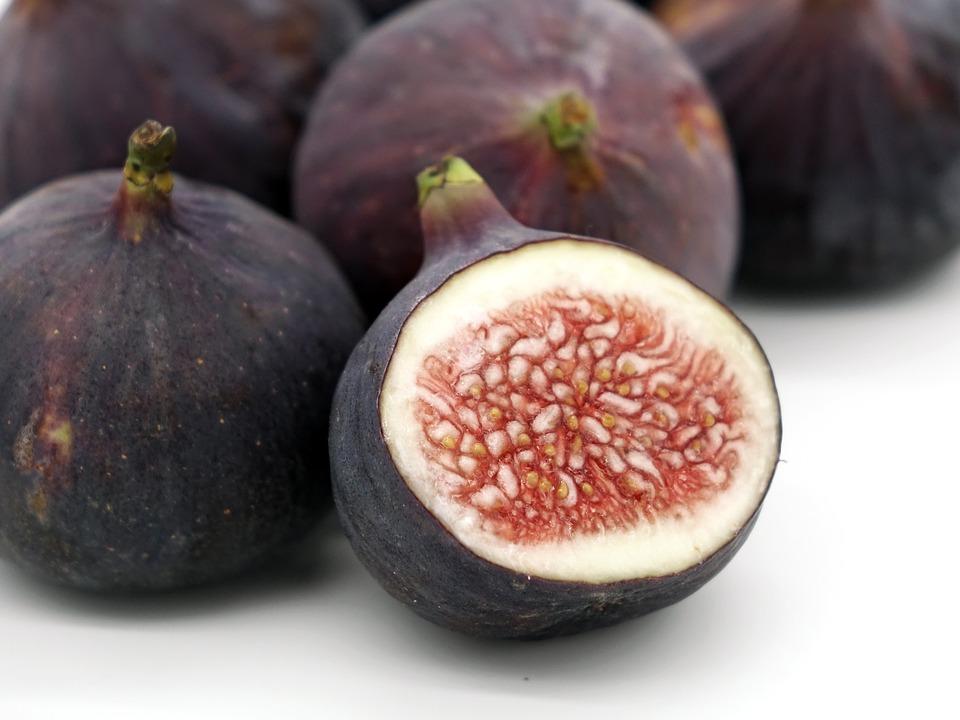 Fig & Gorgonzola Puff Pastries Fresh Figs