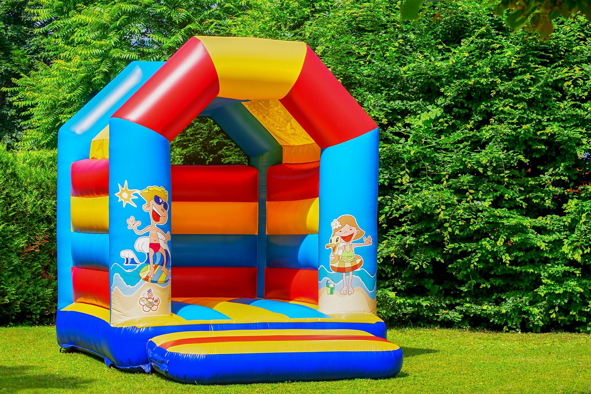 Bounce bouncy house