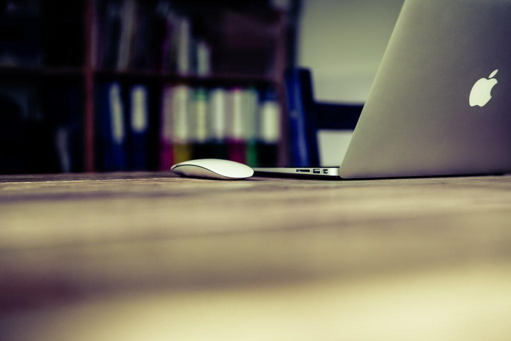 Mac computer laptop